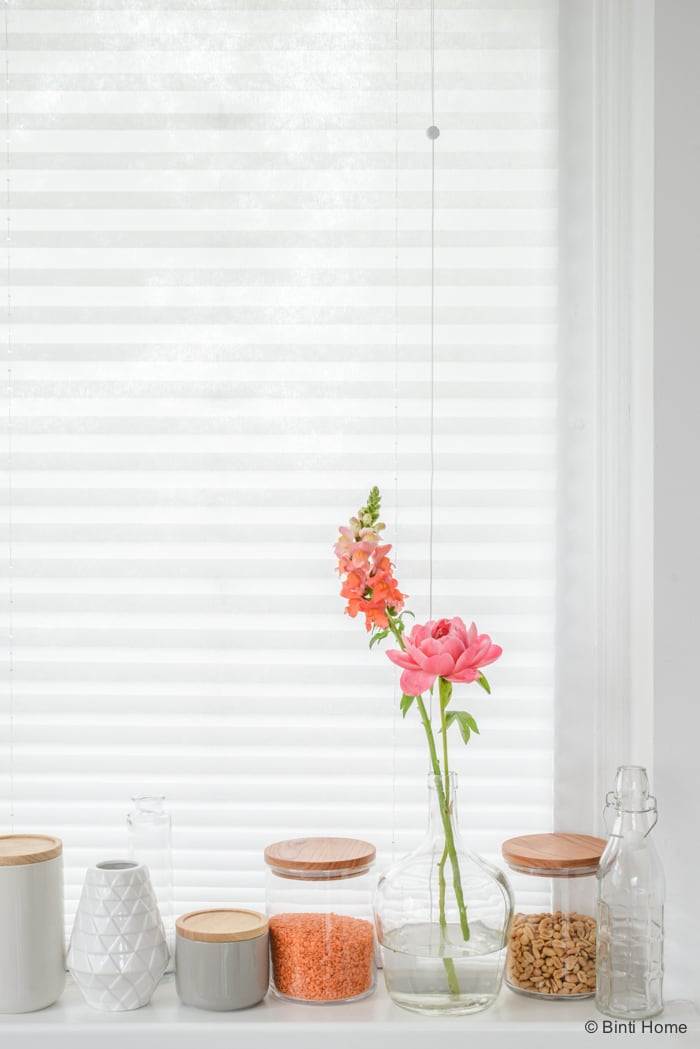 Styling in de vensterbank Tafelstyling in de keuken HEMA ©BintiHome