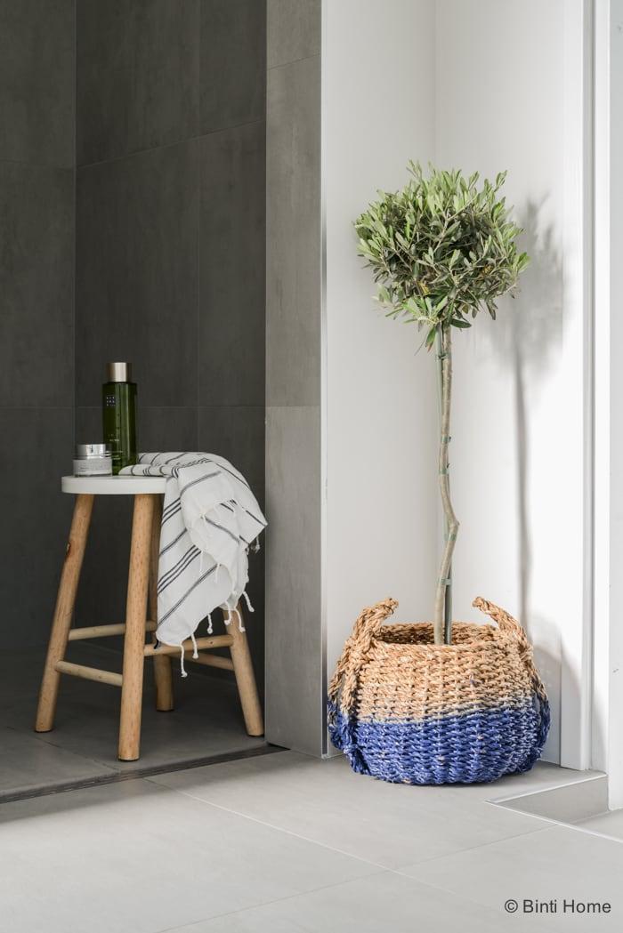 Interieurstyling en interieurfotografie badkamer inspiratie Stek Magazine ©Binti Home