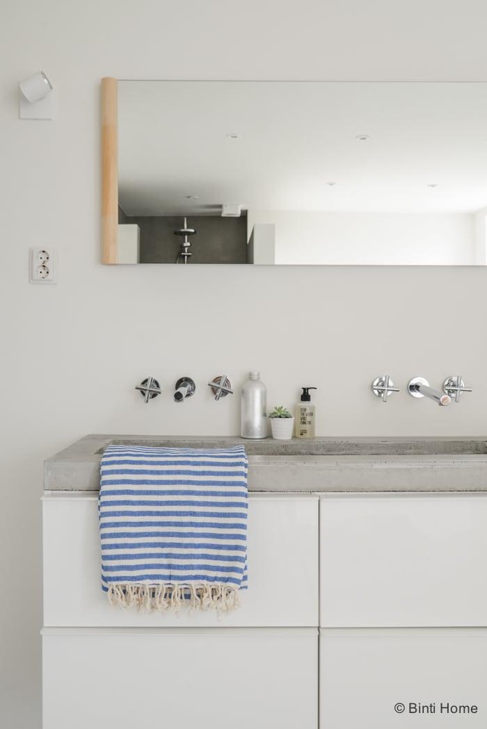 Interieurstyling en interieurfotografie styling badkamer Stek Magazine ©Binti Home