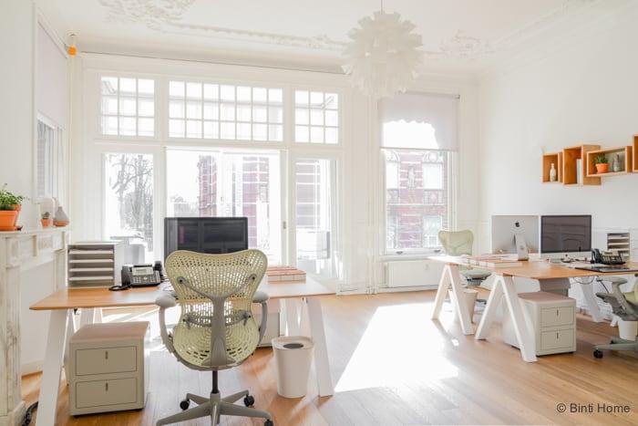Interieurontwerp kantoorinrichting Amsterdam Herman Miller Mirra ©Binti Home