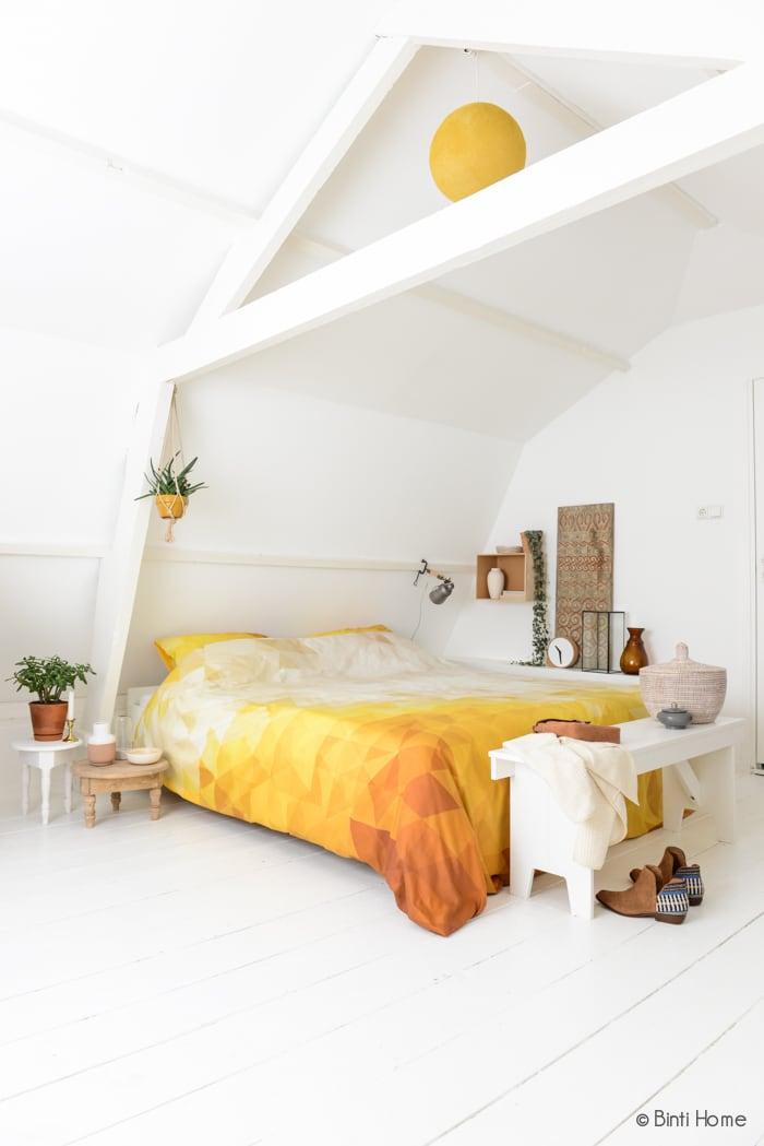 Sereen wit of stemmig zwart welke slaapkamer kies jij wendy 39 s wondere wereld - Bed na capitonne zwarte ...
