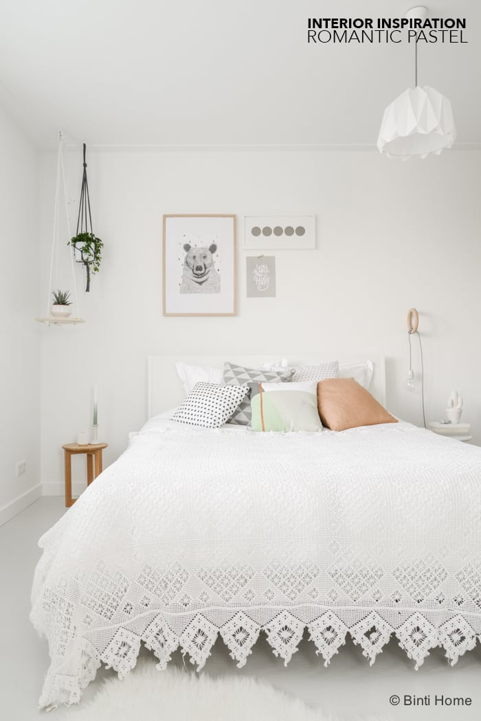 Styling van een romantische slaapkamer met zachte kleuren studio binti home - Romantische slaapkamer ...