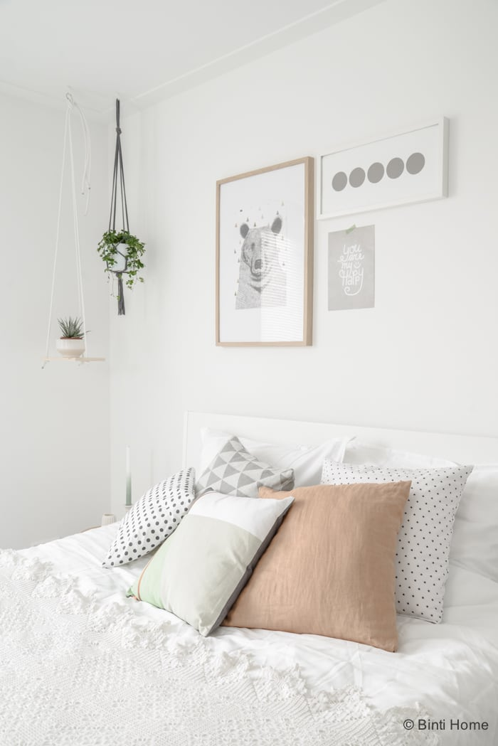 Slaapkamer Romantisch Versieren : Styling van een romantische ...