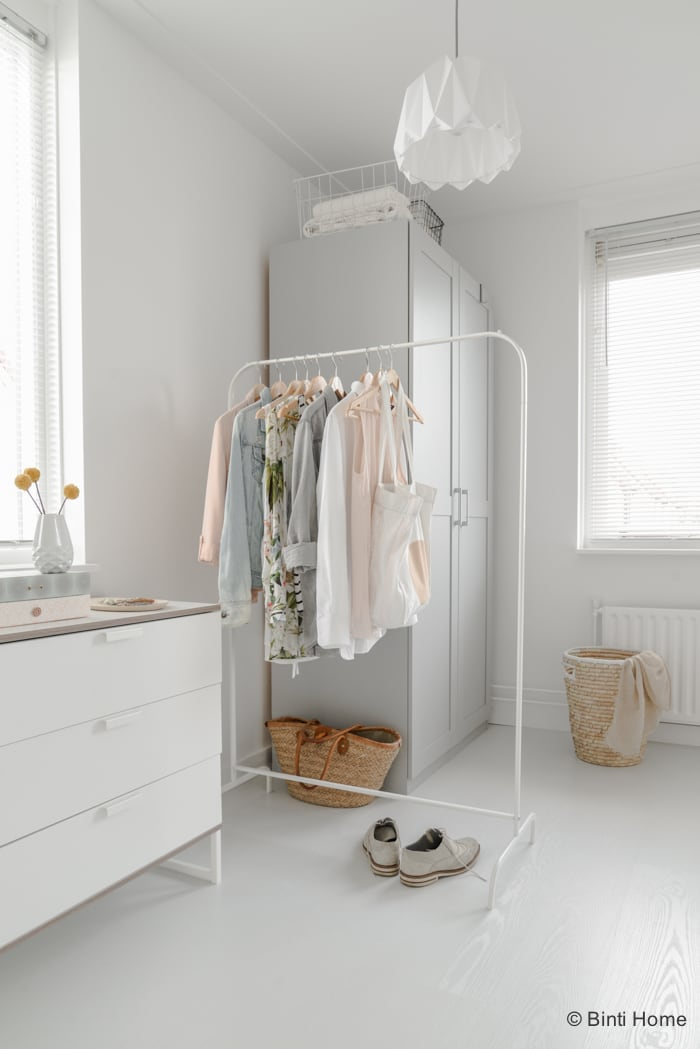 Styling van een romantische slaapkamer met zachte kleuren - Studio ...