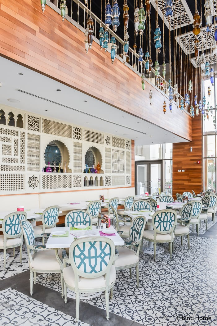 Modern arabic ambiance at lebanese bistro tamara in cairo for Cairo outlet