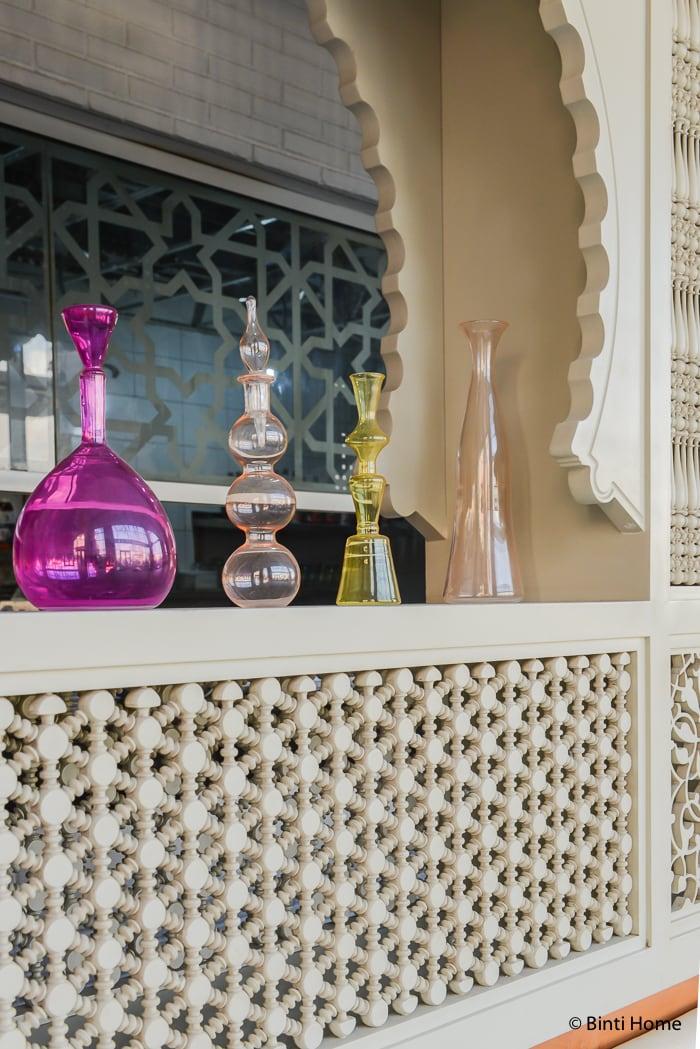 Arabic lighting glass Modern Arabic interior at Tamara Lebanese Bistro Cairo Festival City Mall Cairo Egypte ©BintiHome