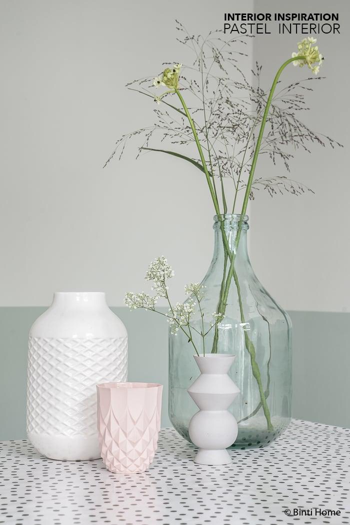 Black white pastels styling livingroom ©BintiHome-2