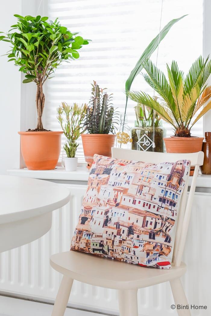 Kussens Woonkamer Design : Kleur en interieurinspiratie styling met ...
