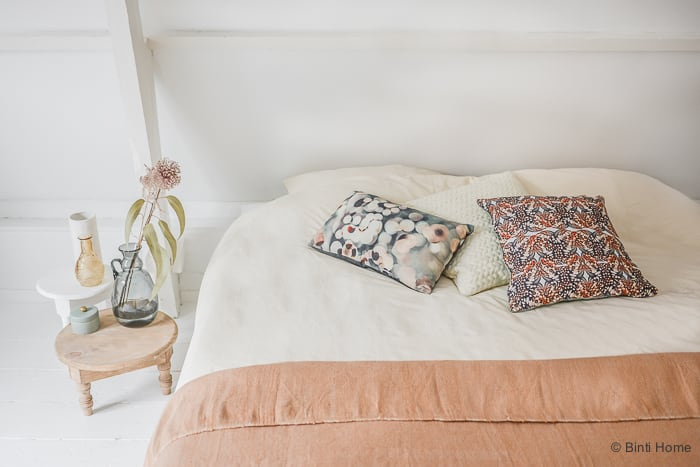 Klein Bankje Voor Slaapkamer: Wit bankje met roze bekleding auk gaaf ...