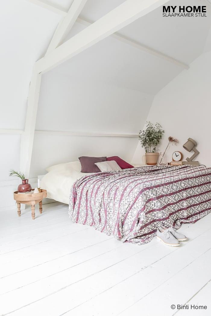 Kleuren in de slaapkamer Slaapkamerstijl interieurinspiratie Swiss Sense ©BintiHome