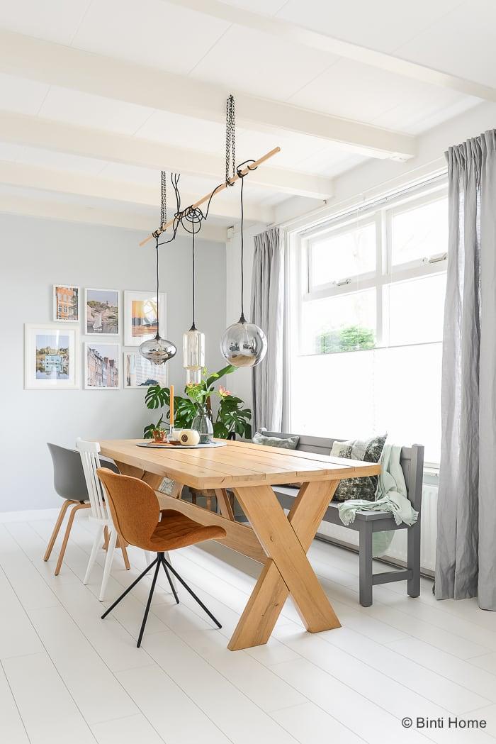 XL Hometour binnenkijken bij Binti Home eettafel in de woonkamer ©BintiHome