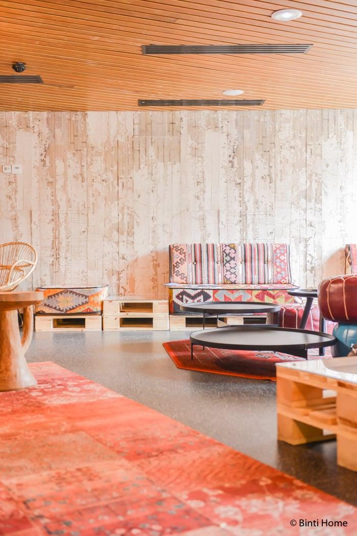Generator Hostel eclectic lounge Paris ©BintiHome