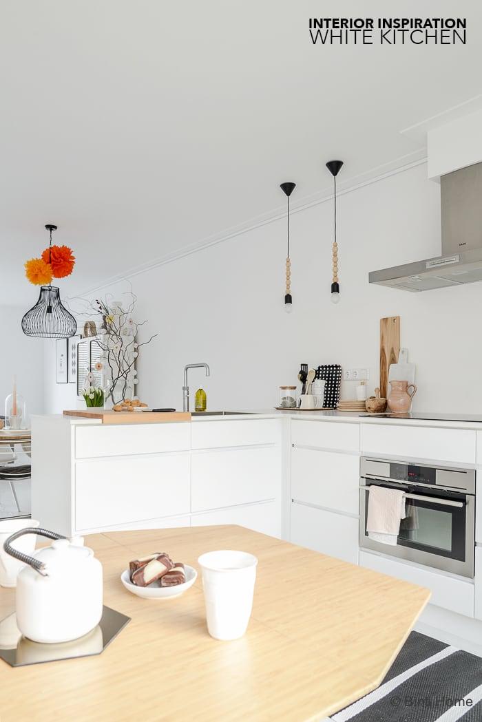 Interieur inspiratie eettafel in witte keuken ©BintiHome-3