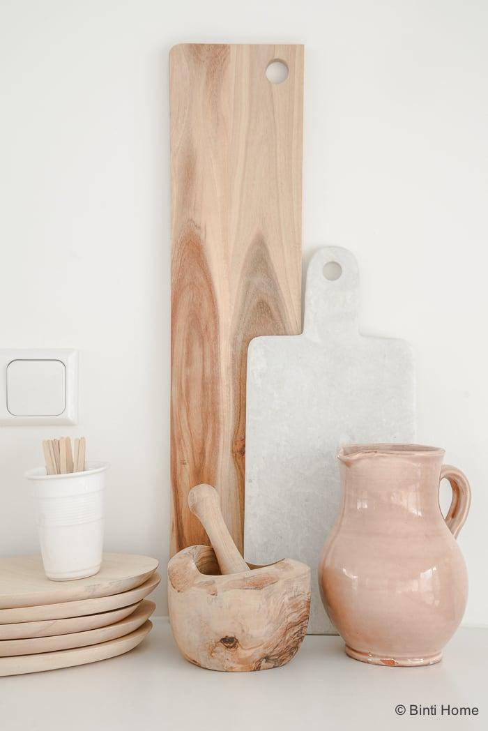 Interieurinspiratie eettafel in een witte keuken ©BintiHome-4
