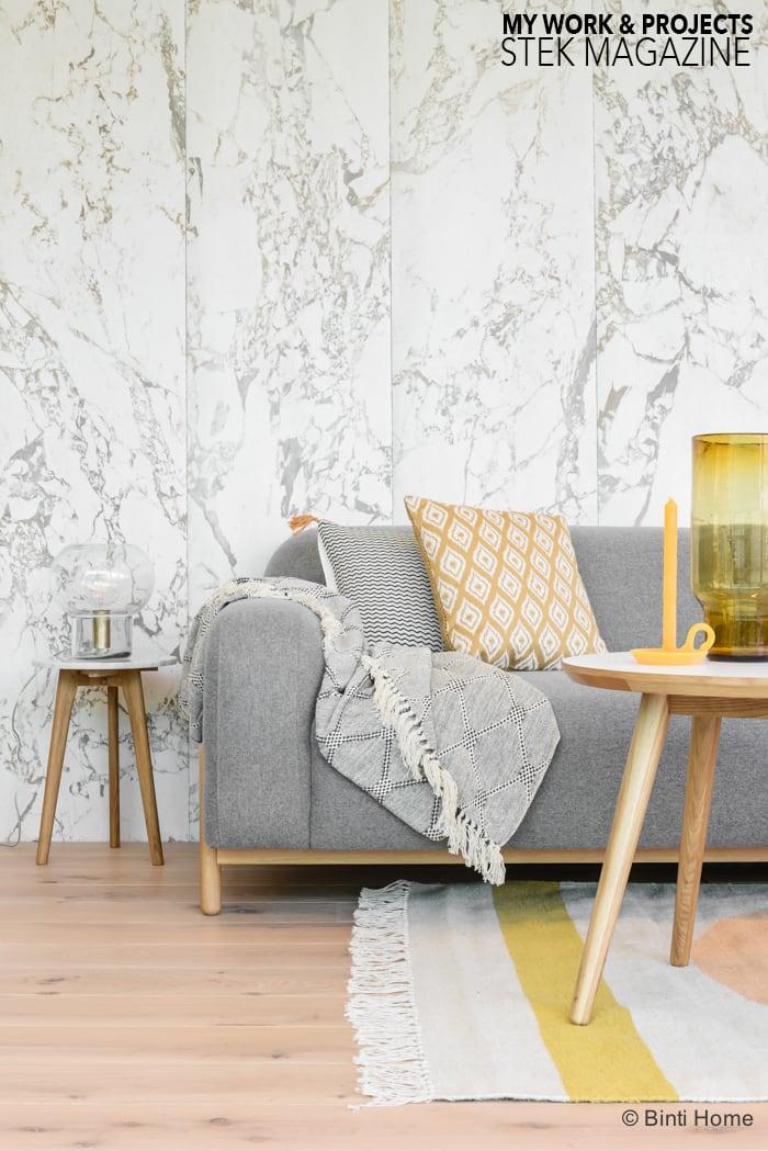 Woonkamer met grijze bank van Sofa Company Stek Magazine  ©BintiHome