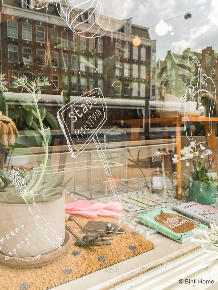 Stadswinkel urban jungle aBijzondere planten shoppen bij Wildernis Amsterdam ©BintiHome