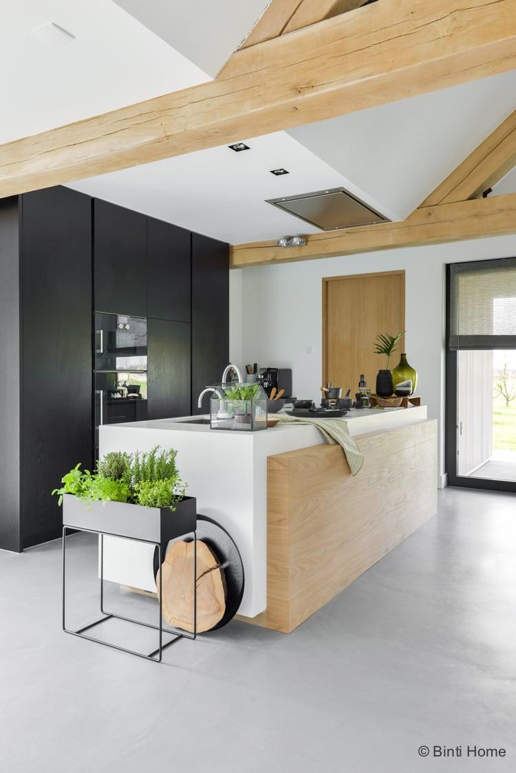 Keuken inrichten botanisch ge nspireerd met zwart groen en hout binti home blog bloglovin - Keuken wit en groen ...