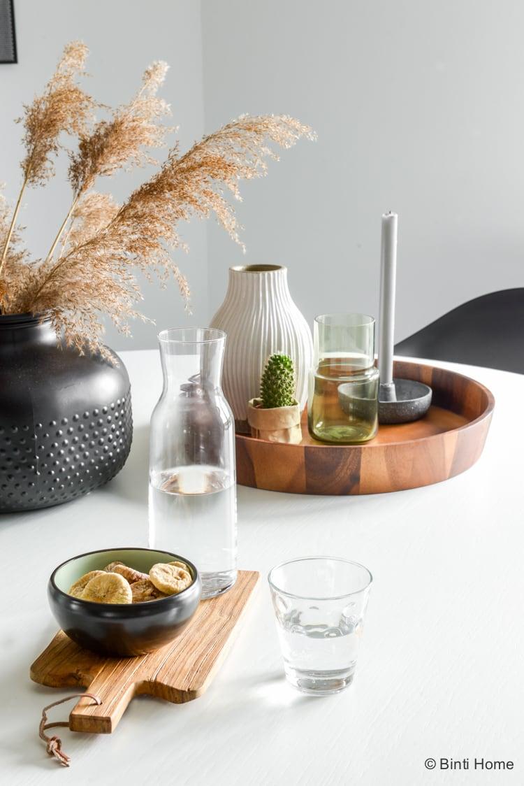 Een witte ronde eettafel in de keuken ©BintiHome