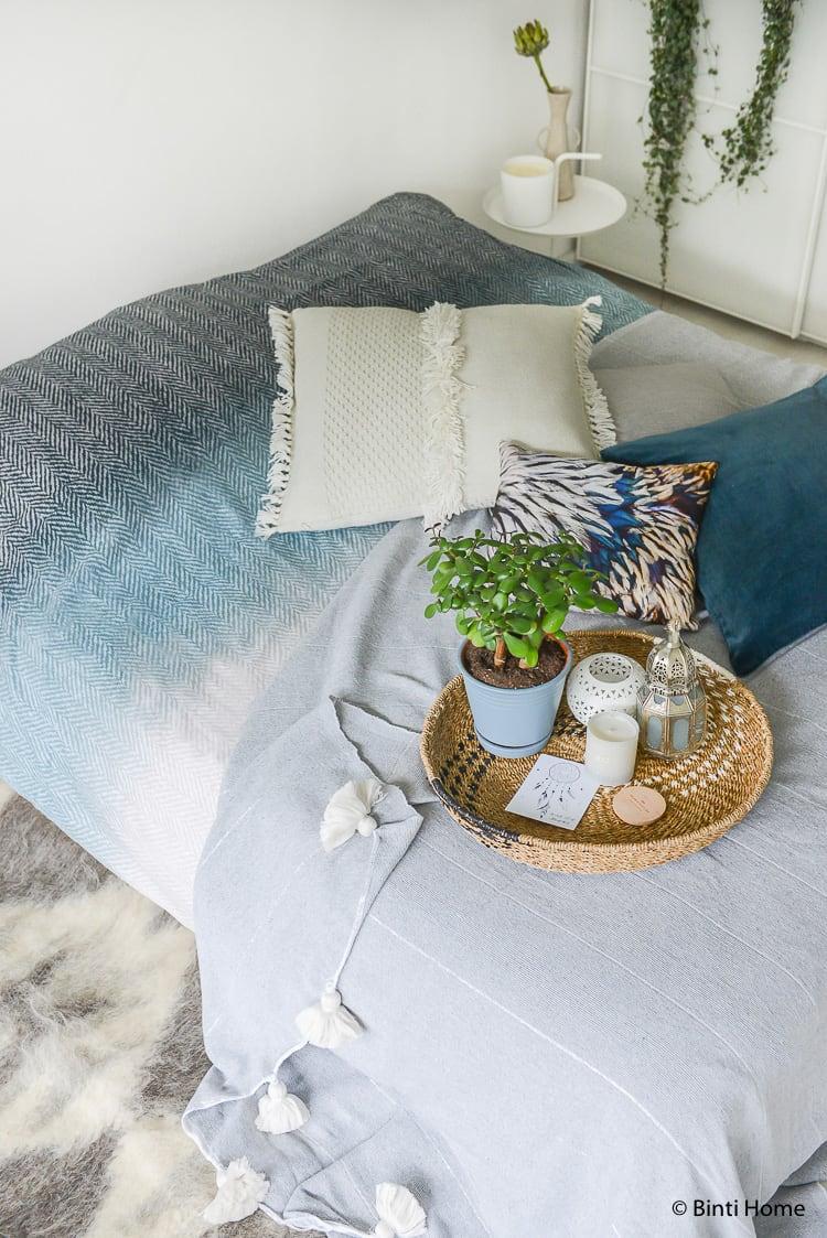 Slaapkamer styling tips gelaagdheid voor hotel Slaapkamer styling tips ©BintiHome