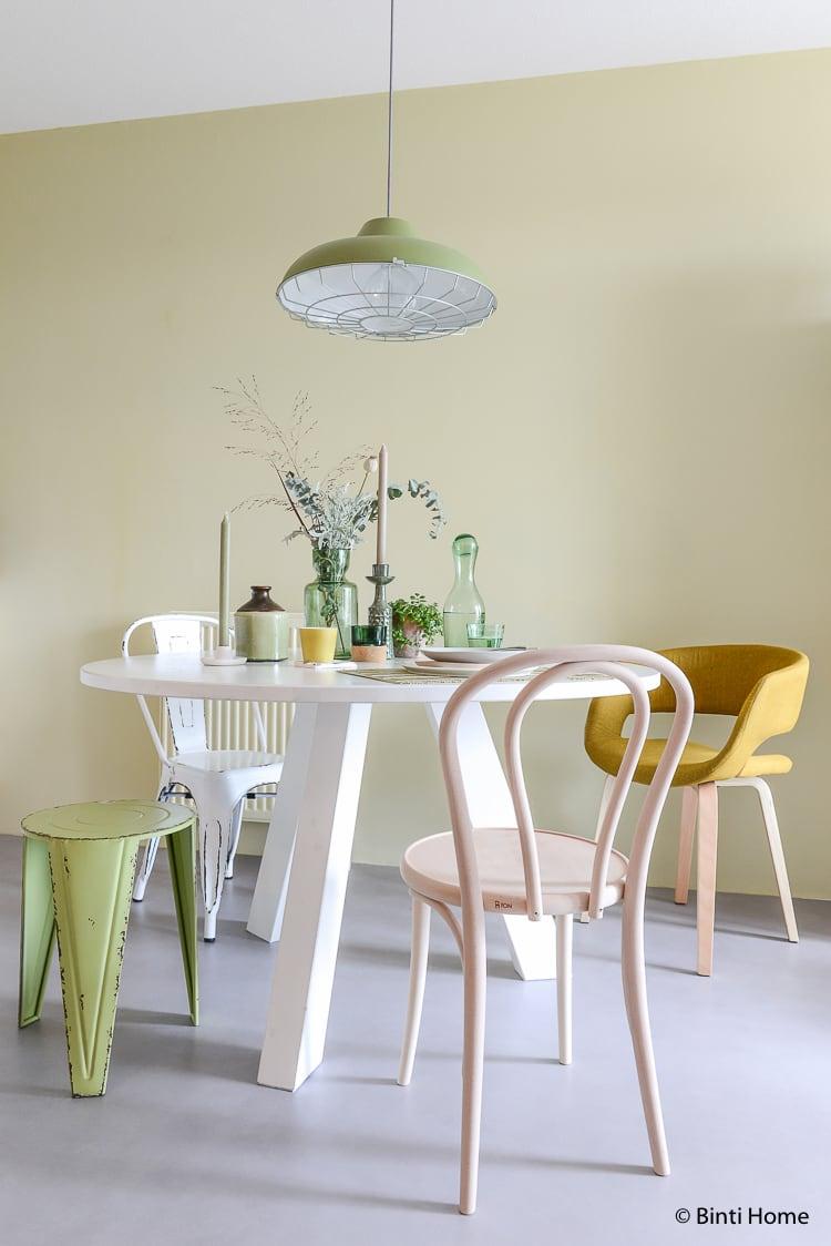 Ronde tafel met 50tinten groen ©BintiHome