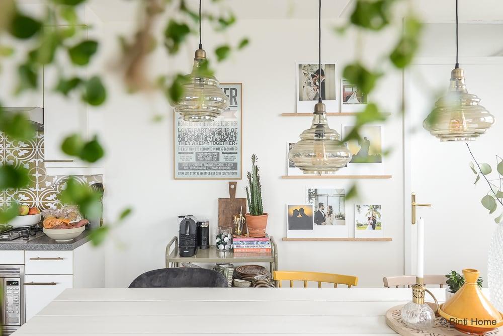 diy fotowand maken our wedding photo wall. Black Bedroom Furniture Sets. Home Design Ideas
