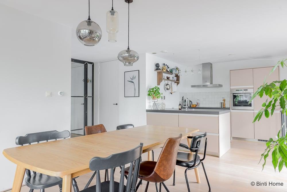 Woonkamer inrichten eiken eettafel tips interieurontwerp woning Amsterdam ©BintiHome-15