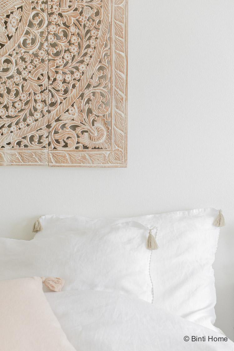 Kussenhoes met kwastjes wit linnen Lisbon House in Style slaapkamer ©BintiHome