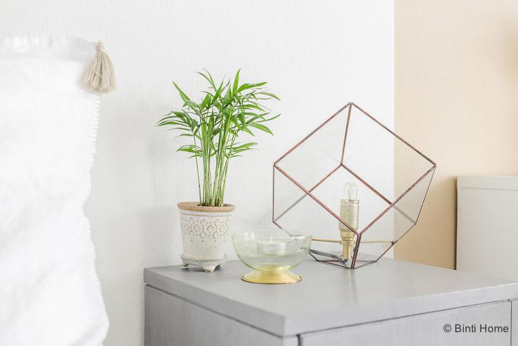 Oosterse slaapkamer styling tips nachtkastje ©BintiHome