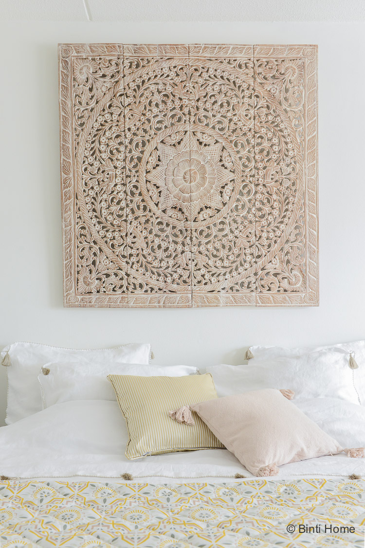 wandpaneel houtsnijwerk teakhout slaapkamer inspiratie simply pure bintihome