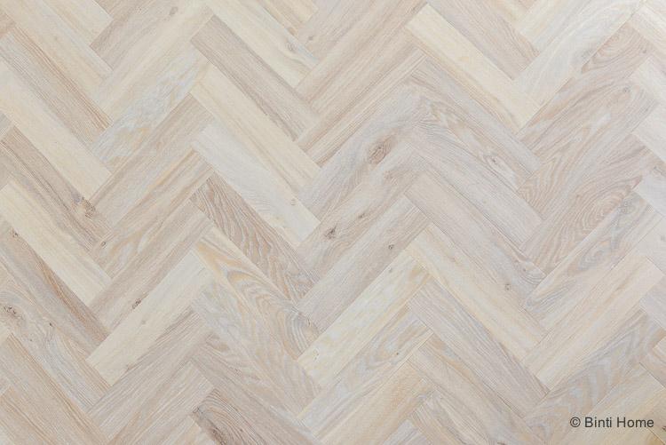 Marmer Vinyl Vloer : Vinyl visgraat vloer in de woonkamer en hal van moduleo