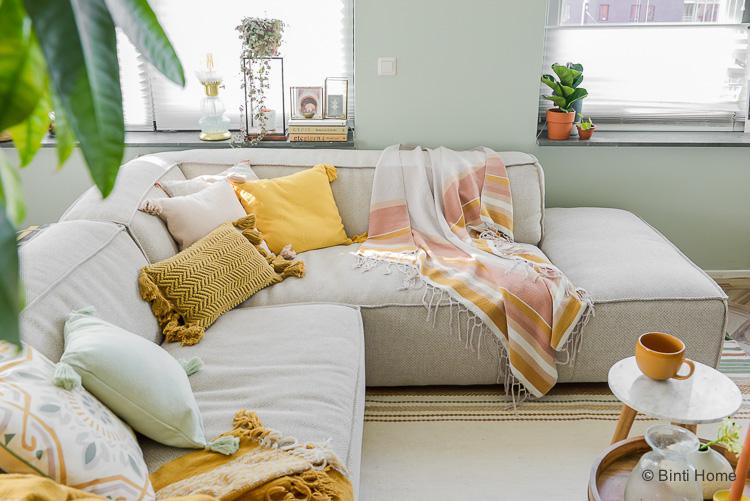 Interieur musthaves Okergeel kussen woonkamer WOWN! by Binti Home Kwantum ©BintiHome