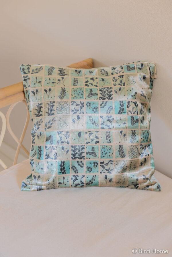 Kussen Art Inca en Binti Home turquoise tegels ©BintiHome-17