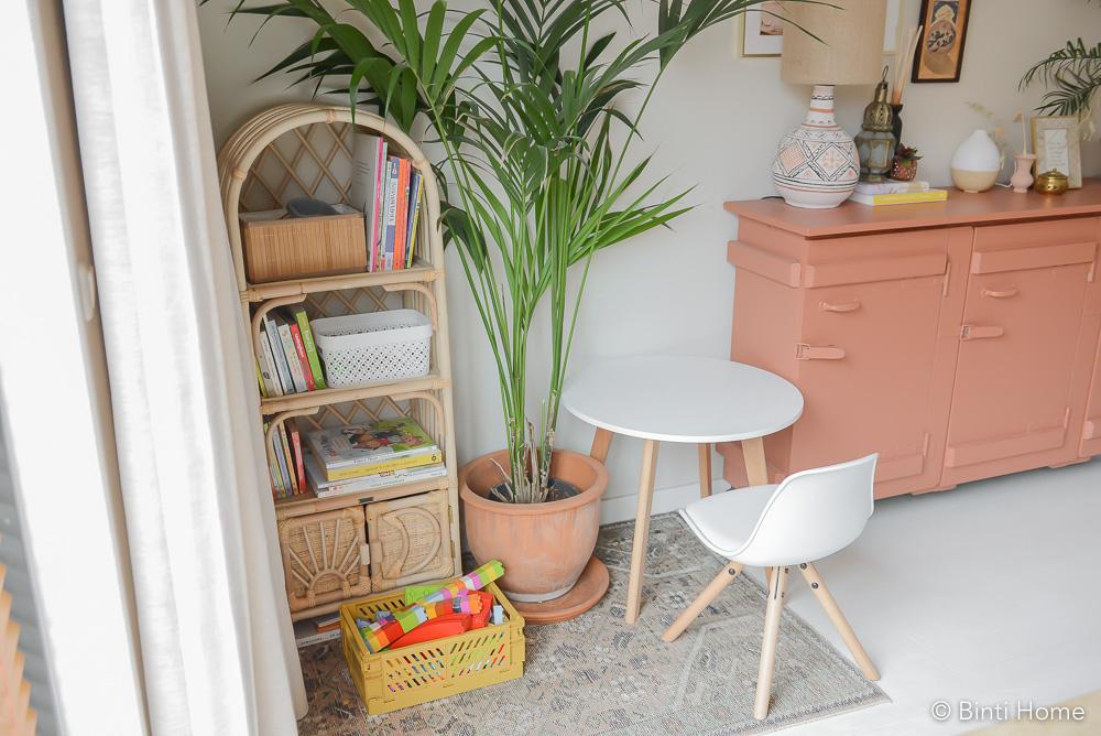 Speelhoek in de woonkamer inrichten voor peuter of kleur ©BintiHome